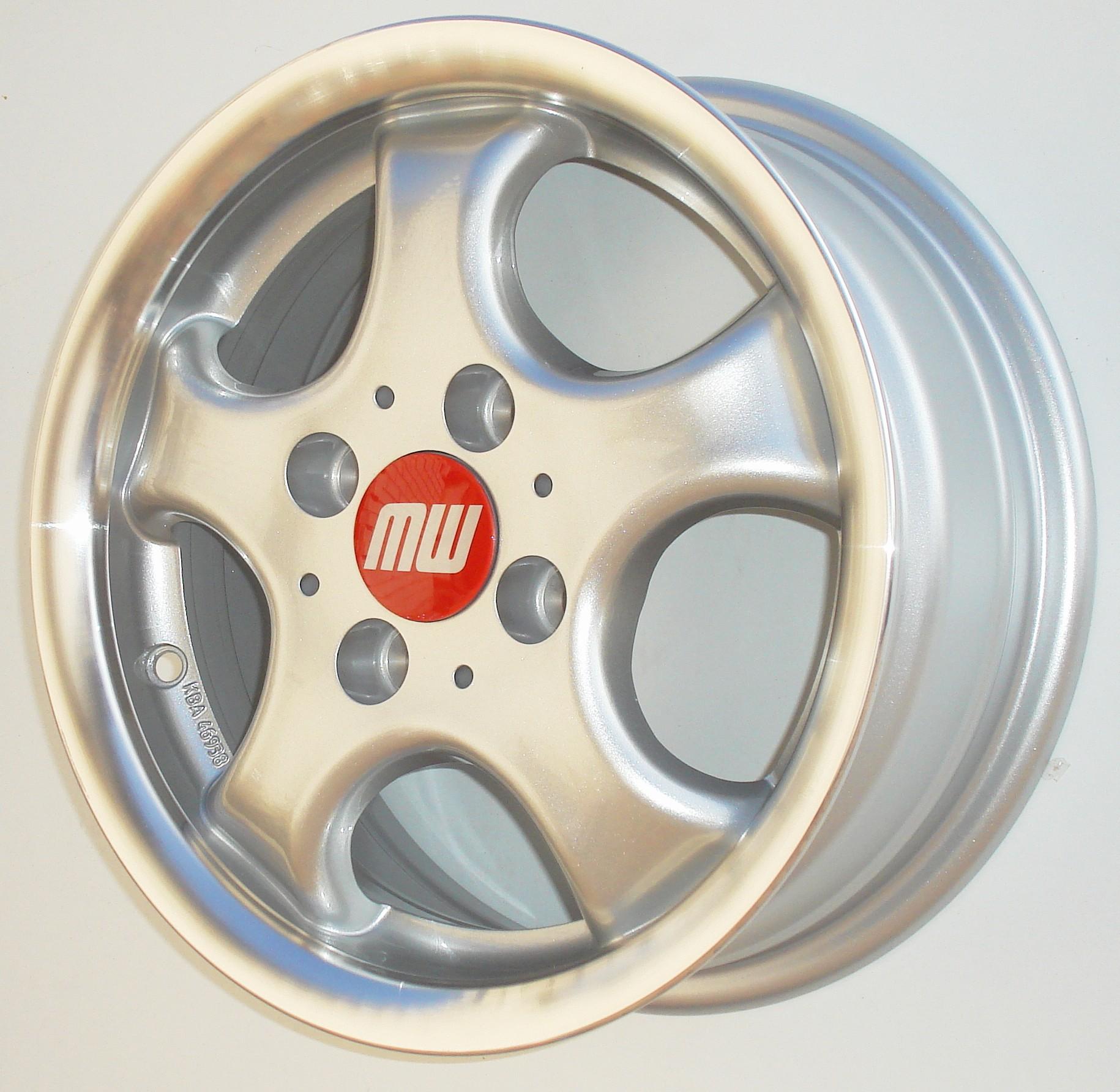 CUP-Rad 6X14 4/100 ET37 -silber metallic  -  zulässige Reifengrössen: 165/60R14, 185/55R14, 195/45R14  mit ABE/Teilegutachten